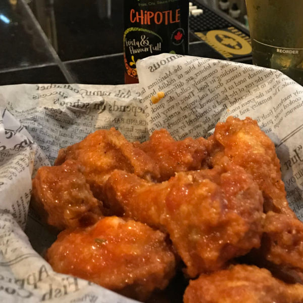 Chipotle pub style chicken wings